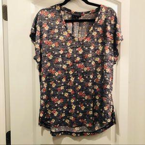 BOBEAU • floral shirt sleeve top • like new
